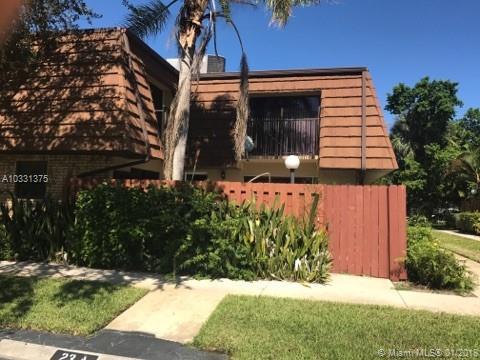1458 N Lawnwood Cir 23 B, Fort Pierce, FL 34950 (MLS #A10331375) :: The Teri Arbogast Team at Keller Williams Partners SW