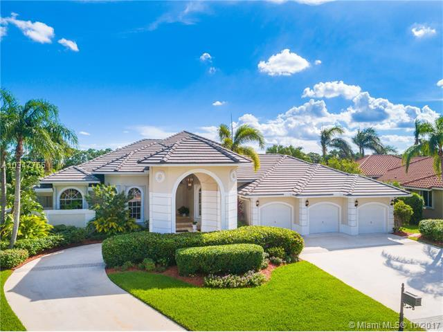 152 Dockside Cir, Weston, FL 33327 (MLS #A10347765) :: The Teri Arbogast Team at Keller Williams Partners SW