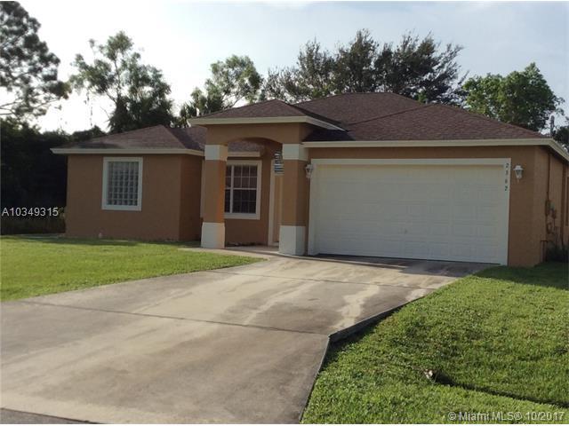 2362 SE Fruit Ave, Port St. Lucie, FL 34952 (MLS #A10349315) :: Stanley Rosen Group