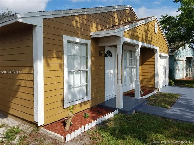 1701 SW 83 Terrace, Miramar, FL 33025 (MLS #A10349703) :: Green Realty Properties