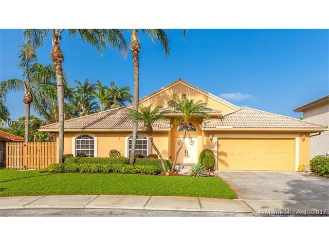 750 SW 94th Ter, Pembroke Pines, FL 33025 (MLS #A10353075) :: Castelli Real Estate Services