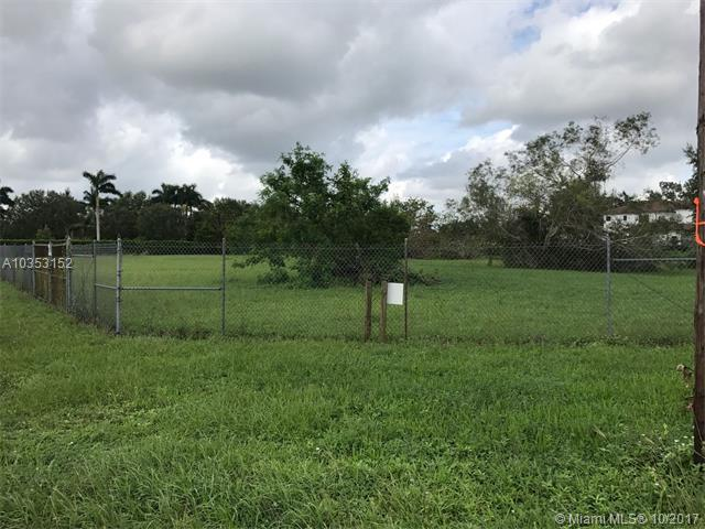LURAY RD N Luray Rd, Southwest Ranches, FL 33330 (MLS #A10353152) :: Green Realty Properties