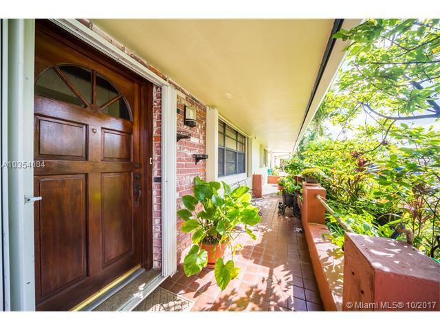 7917 Meridian St, Miramar, FL 33023 (MLS #A10354084) :: Green Realty Properties