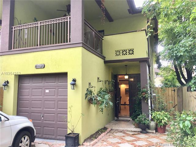 3038 Shipping Ave #3038, Coconut Grove, FL 33133 (MLS #A10354252) :: The Erice Team
