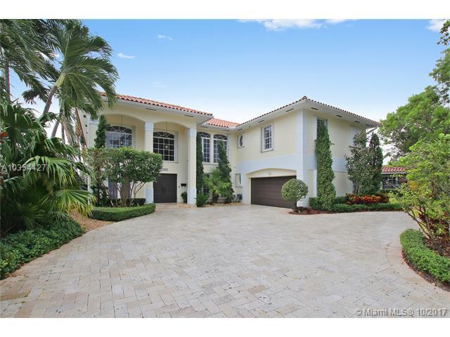 14645 Harris Pl, Miami Lakes, FL 33014 (MLS #A10354427) :: Green Realty Properties