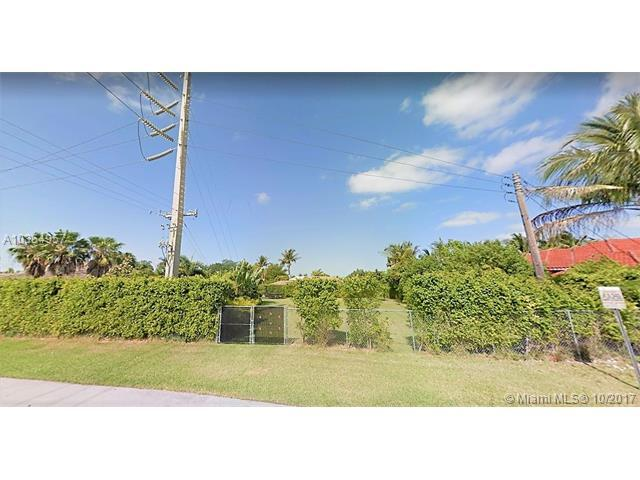 14400 SW 99th Ave, Miami, FL 33176 (MLS #A10354957) :: The Erice Team
