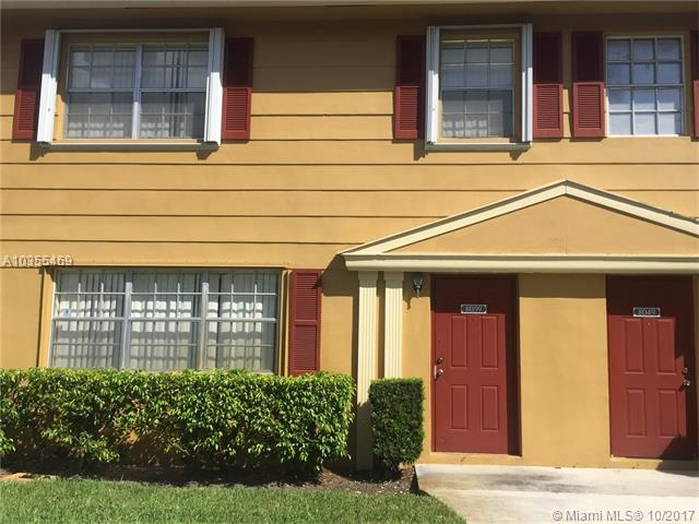 8059 SW 18th Pl 3-10, Davie, FL 33324 (MLS #A10355469) :: The Teri Arbogast Team at Keller Williams Partners SW