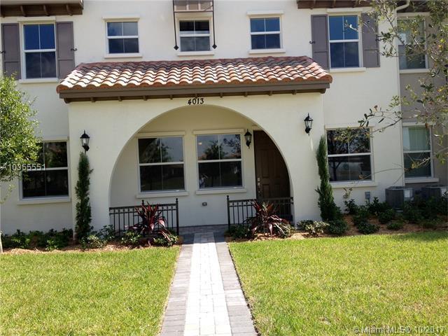 4013 Cascada Cir, Cooper City, FL 33024 (MLS #A10355551) :: The Chenore Real Estate Group