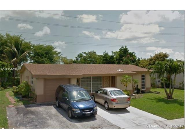 1025 NW 92nd Ave, Pembroke Pines, FL 33024 (MLS #A10356203) :: RE/MAX Presidential Real Estate Group