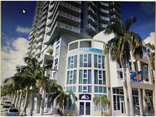 275 NE 18 #302, Miami, FL 33132 (MLS #A10356422) :: The Erice Team