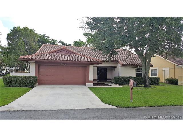 10404 NW 9th Pl, Coral Springs, FL 33071 (MLS #A10356490) :: The Teri Arbogast Team at Keller Williams Partners SW