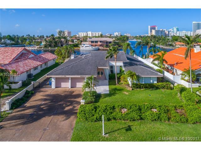 306 Holiday Drive, Hallandale, FL 33009 (MLS #A10356867) :: RE/MAX Presidential Real Estate Group