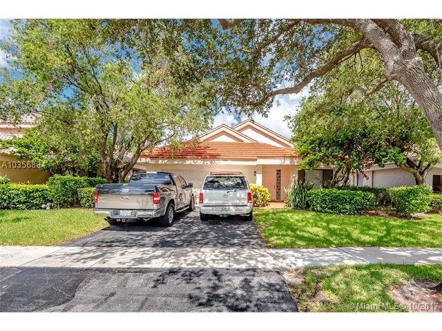 9741 NW 18th Ct, Plantation, FL 33322 (MLS #A10356884) :: The Teri Arbogast Team at Keller Williams Partners SW