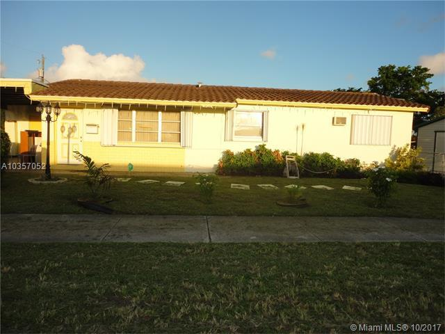 900 NW 7, Hallandale, FL 33009 (MLS #A10357052) :: RE/MAX Presidential Real Estate Group