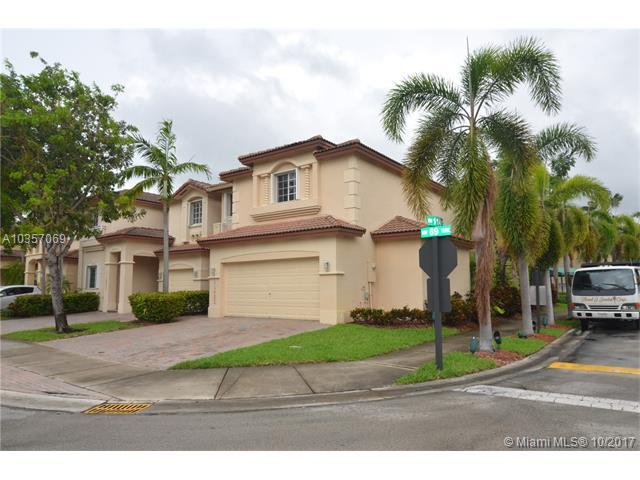 11423 NW 69th Ter, Doral, FL 33178 (MLS #A10357069) :: RE/MAX Presidential Real Estate Group