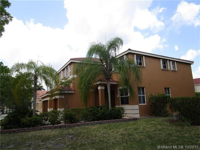 4301 Fox Holw #0, Weston, FL 33331 (MLS #A10357206) :: The Chenore Real Estate Group