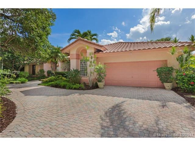1253 S Manor Dr S, Weston, FL 33326 (MLS #A10357317) :: The Chenore Real Estate Group