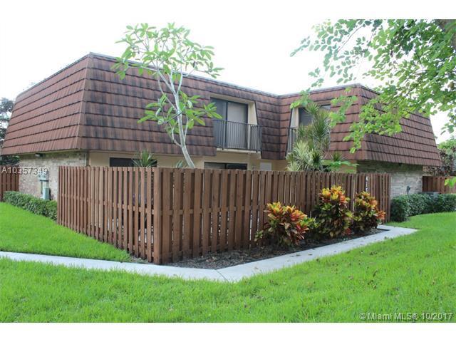 4157 Wimbledon Dr, Cooper City, FL 33026 (MLS #A10357349) :: Green Realty Properties