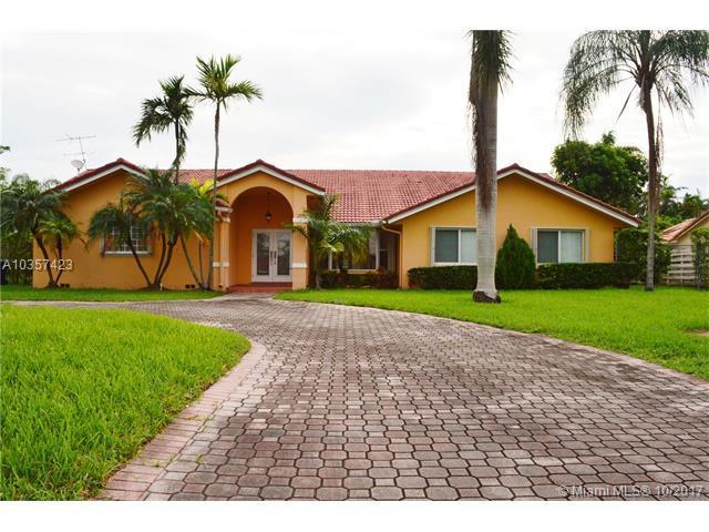 14045 SW 83rd Pl, Palmetto Bay, FL 33158 (MLS #A10357423) :: The Riley Smith Group