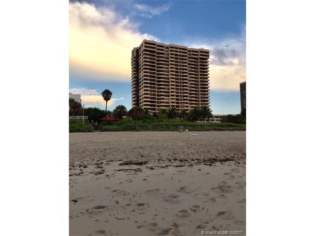 2555 Collins Ave #906, Miami Beach, FL 33140 (MLS #A10357503) :: The Erice Team