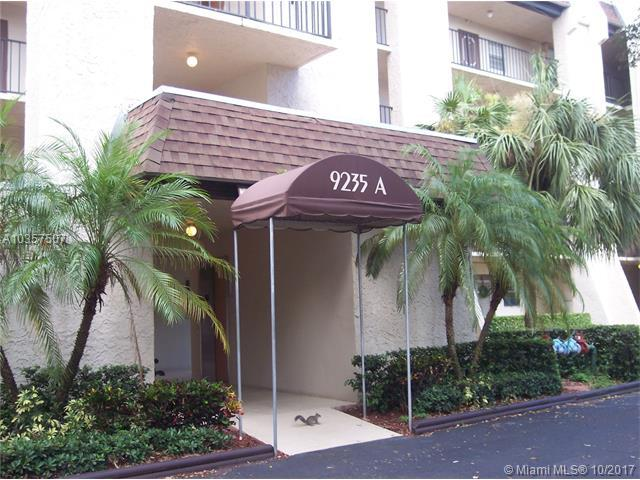 9235 Lagoon Place #308, Davie, FL 33324 (MLS #A10357507) :: The Chenore Real Estate Group