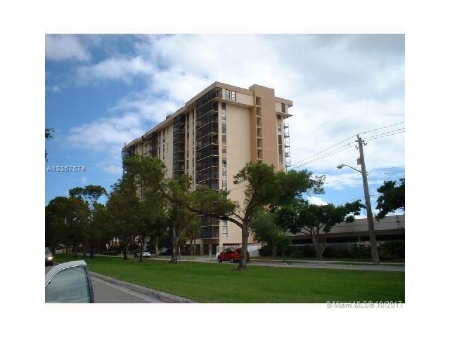2500 NE 135th St C701, North Miami, FL 33181 (MLS #A10357574) :: The Jack Coden Group