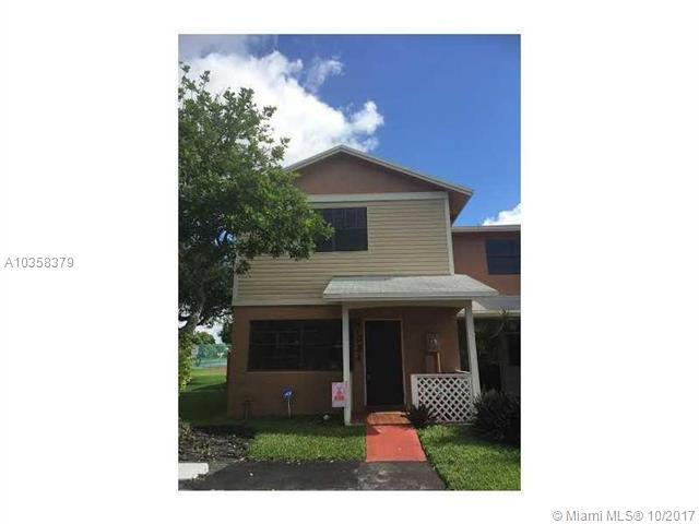331 NW 106th Ter, Pembroke Pines, FL 33026 (MLS #A10358379) :: The Chenore Real Estate Group