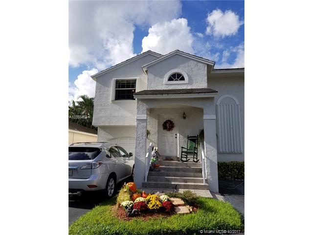 9863 NW 2nd St, Plantation, FL 33324 (MLS #A10358468) :: The Chenore Real Estate Group