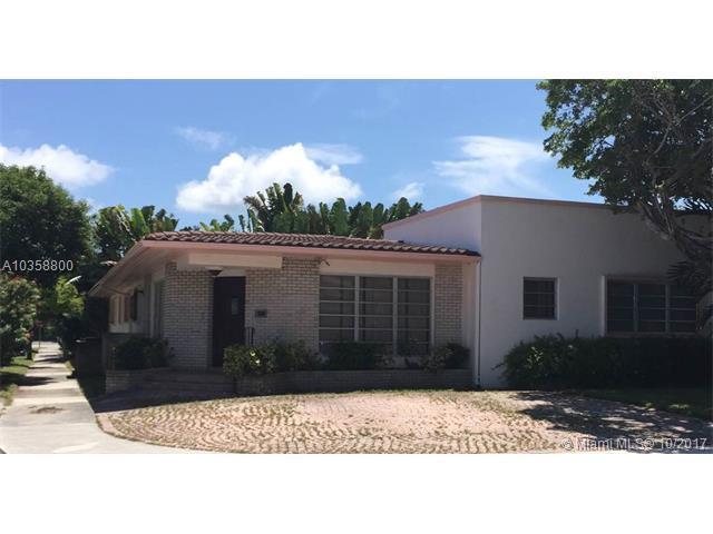 1260 Daytonia Rd, Miami Beach, FL 33141 (MLS #A10358800) :: The Teri Arbogast Team at Keller Williams Partners SW