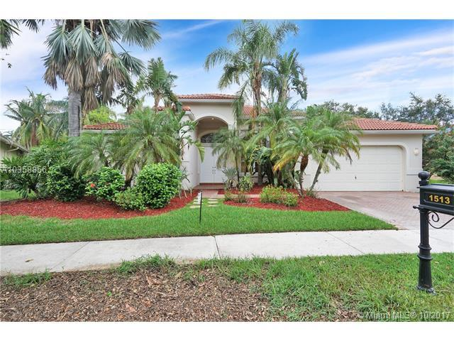 1513 Lantana Ct, Weston, FL 33326 (MLS #A10358856) :: The Teri Arbogast Team at Keller Williams Partners SW
