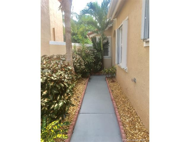 4781 SW 153rd Ter, Miramar, FL 33027 (MLS #A10358945) :: Green Realty Properties