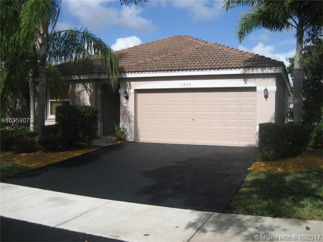 1909 Andromeda Ln #1909, Weston, FL 33327 (MLS #A10359079) :: The Teri Arbogast Team at Keller Williams Partners SW
