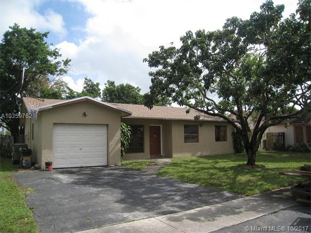 731 NW 84th Ave, Pembroke Pines, FL 33024 (MLS #A10359762) :: The Teri Arbogast Team at Keller Williams Partners SW