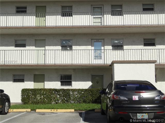 709 Lori Dr #115, Palm Springs, FL 33461 (MLS #A10359791) :: The Teri Arbogast Team at Keller Williams Partners SW