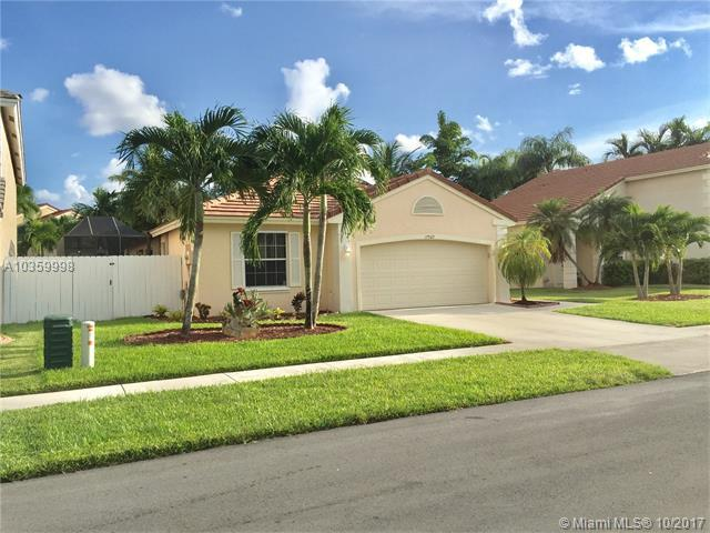 17522 NW 12th St, Pembroke Pines, FL 33029 (MLS #A10359998) :: The Teri Arbogast Team at Keller Williams Partners SW