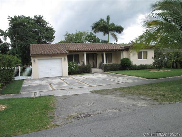 6061 SW 34th St, Miami, FL 33155 (MLS #A10360113) :: The Teri Arbogast Team at Keller Williams Partners SW