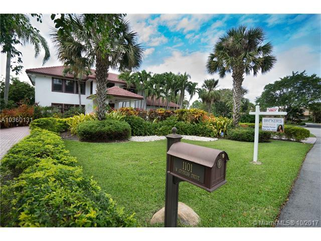 1101 W Cypress Dr, Pompano Beach, FL 33069 (MLS #A10360131) :: Castelli Real Estate Services