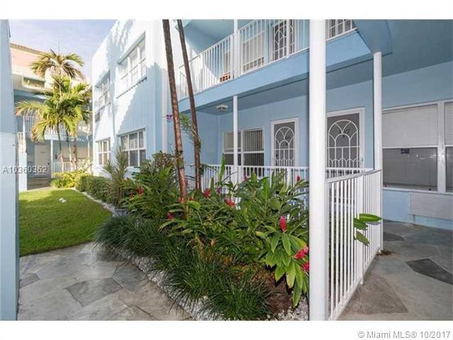 326 Harrison St #204, Hollywood, FL 33019 (MLS #A10360362) :: Castelli Real Estate Services