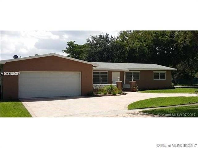 1701 NW 106th Ave, Pembroke Pines, FL 33026 (MLS #A10360437) :: Castelli Real Estate Services
