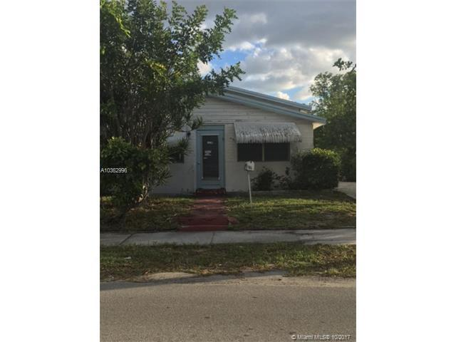 602 NW 1st St, Delray Beach, FL 33444 (MLS #A10362996) :: The Teri Arbogast Team at Keller Williams Partners SW