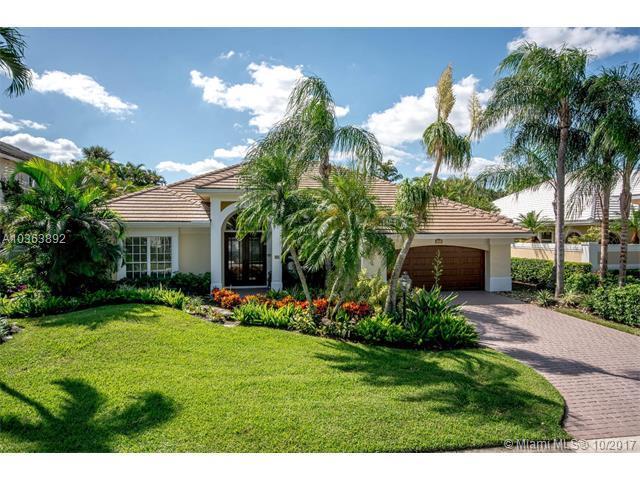 21 Windward Isle, Palm Beach Gardens, FL 33418 (MLS #A10363892) :: The Teri Arbogast Team at Keller Williams Partners SW