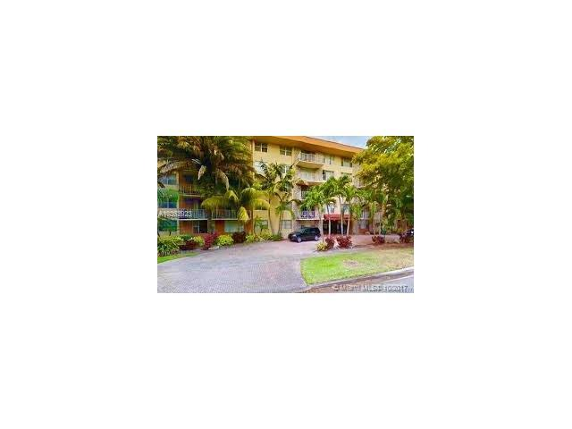 1800 Sans Souci Blvd #439, North Miami, FL 33181 (MLS #A10363923) :: The Teri Arbogast Team at Keller Williams Partners SW