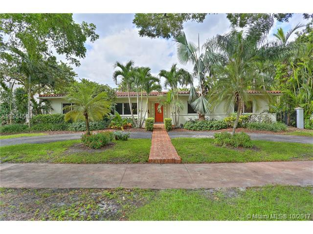 2500 Alhambra Cr, Coral Gables, FL 33134 (MLS #A10364504) :: The Riley Smith Group