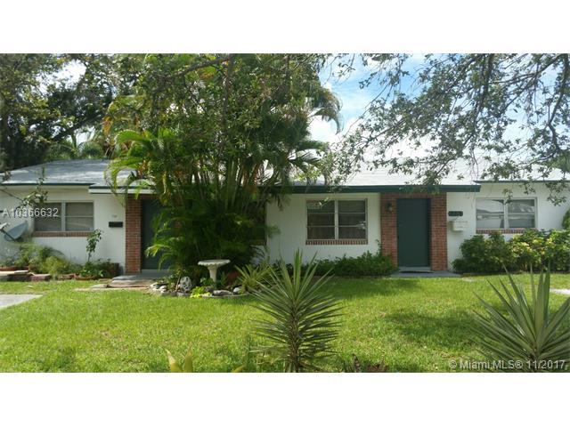 709 SW 14th Ct, Fort Lauderdale, FL 33315 (MLS #A10366632) :: The Teri Arbogast Team at Keller Williams Partners SW