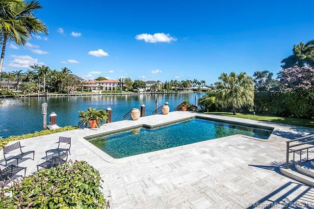 605 Solano Prado, Coral Gables, FL 33156 (MLS #A10366774) :: The Maria Murdock Group