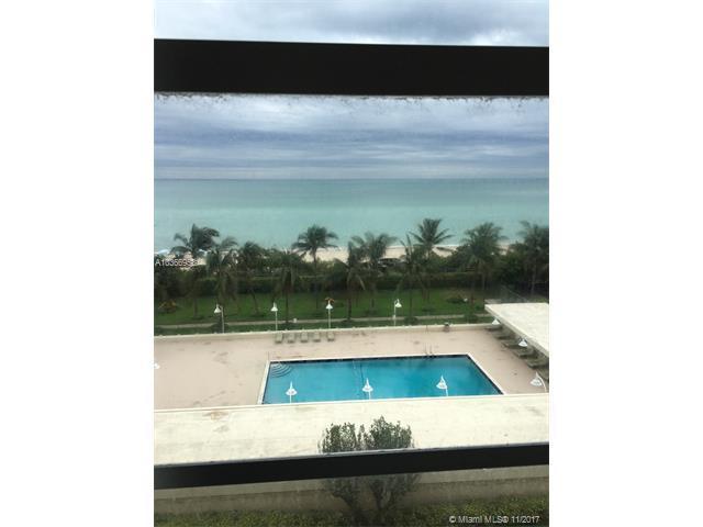 2899 Collins Ave #743, Miami Beach, FL 33140 (MLS #A10366953) :: Albert Garcia Team