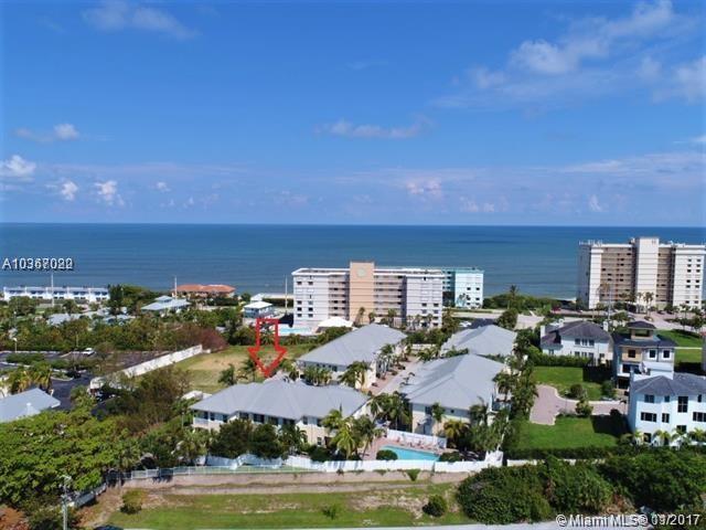 475 Ocean Ridge Way, Juno Beach, FL 33408 (MLS #A10367022) :: The Teri Arbogast Team at Keller Williams Partners SW