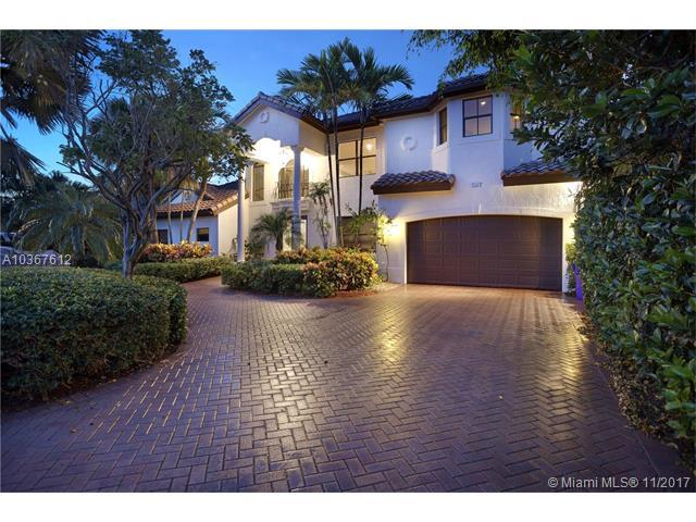 1512 SE 9th St, Deerfield Beach, FL 33441 (MLS #A10367612) :: Stanley Rosen Group