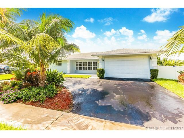 4140 N 34th Ave, Hollywood, FL 33021 (MLS #A10368065) :: The Teri Arbogast Team at Keller Williams Partners SW