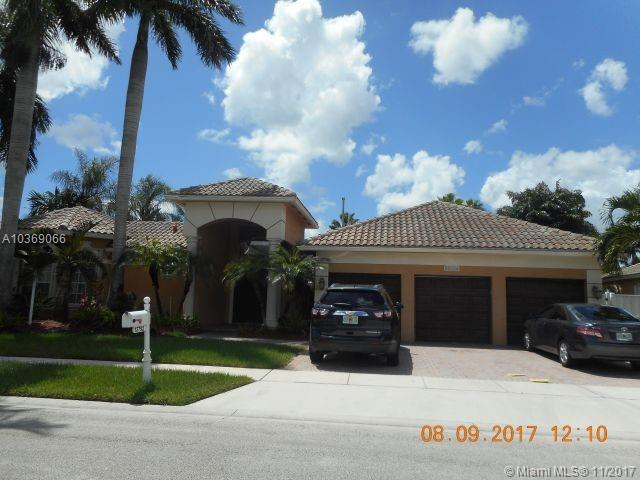 13792 NW 19th St, Pembroke Pines, FL 33028 (MLS #A10369066) :: Stanley Rosen Group